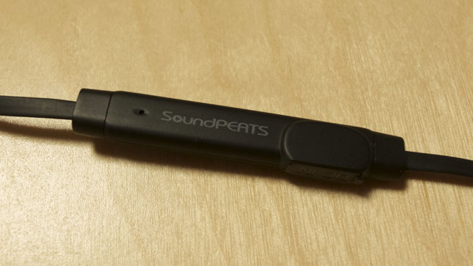 SoundPEATS Q12 マイク部