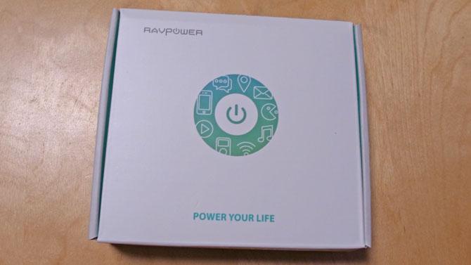 RAVPOWER モバイルバッテリーのパッケージ