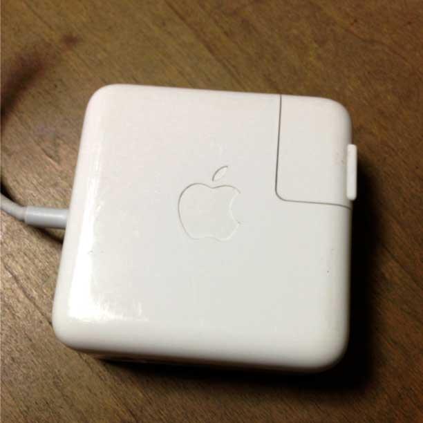 MacBookAirのアダプター