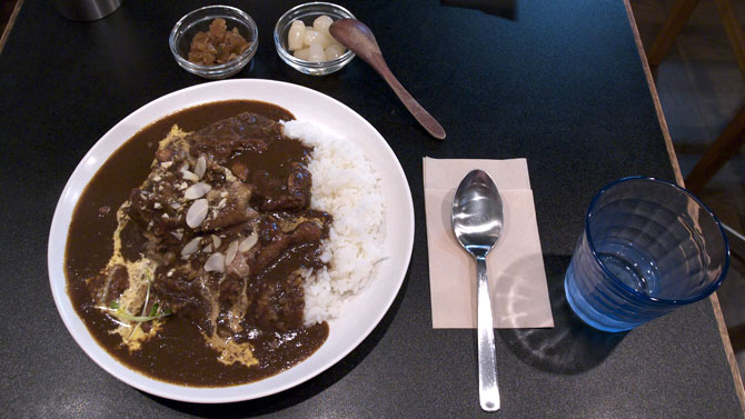Woof Curryチキンカレー大盛り