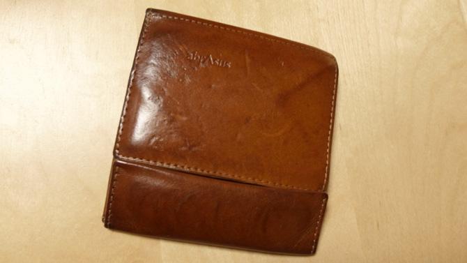 薄い財布 ブッテーロレザー経年変化