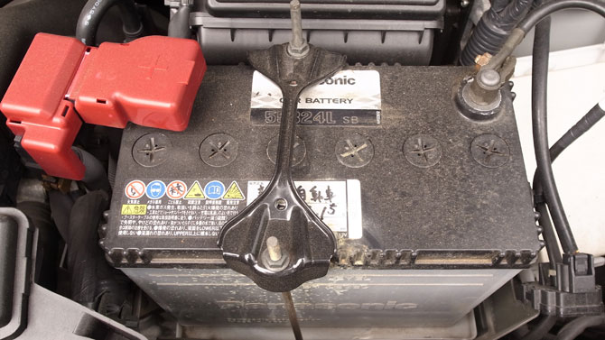 replacing-car-battery-1