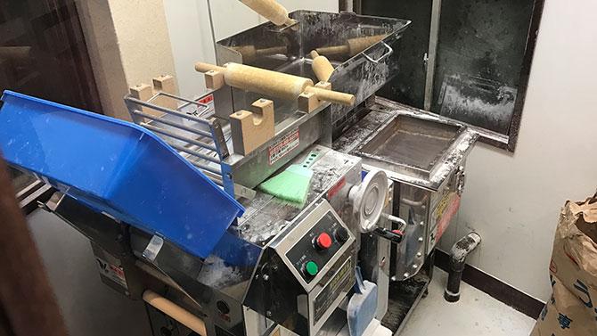 雷鳥(サンダーバード)の製麺機