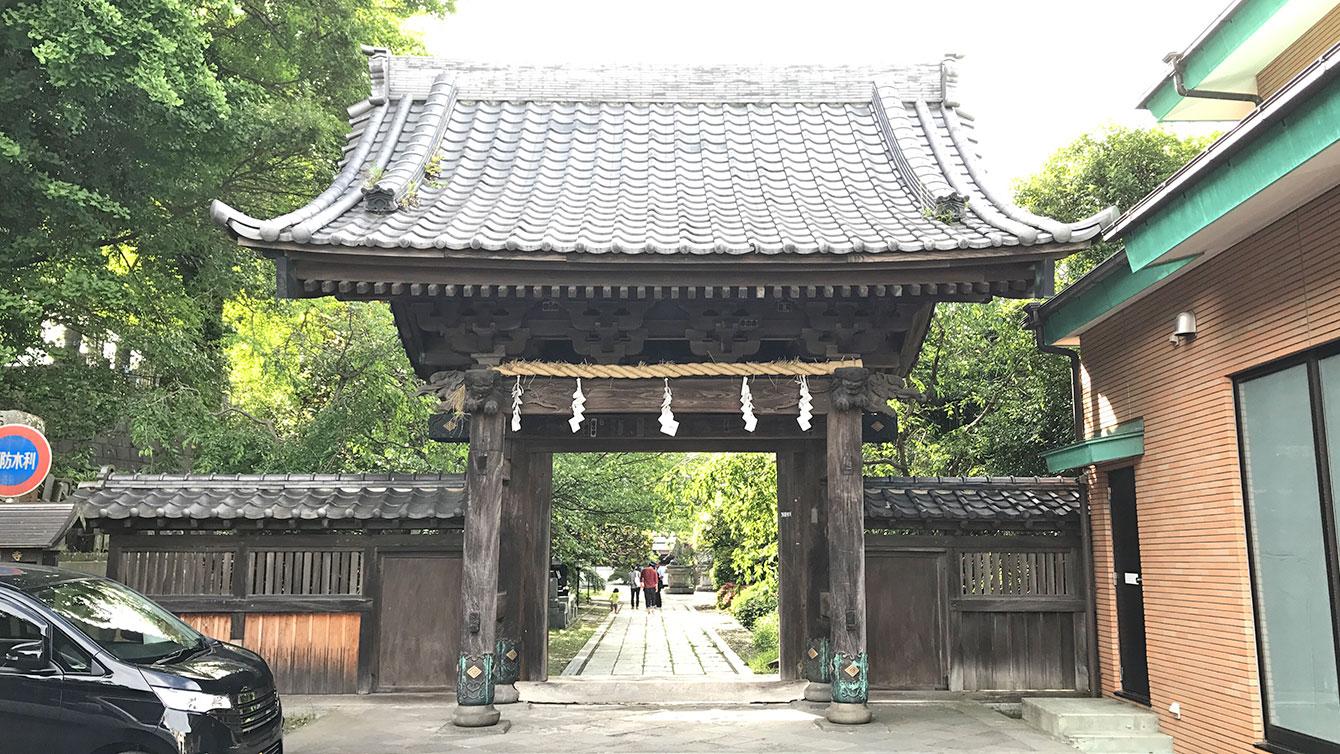 長勝寺の山門