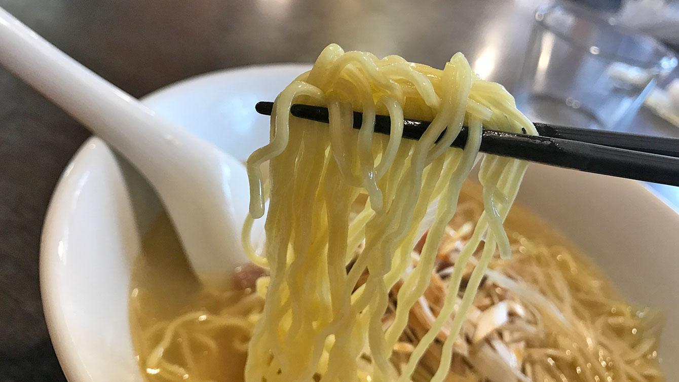 ネギチャーシュー麺の麺
