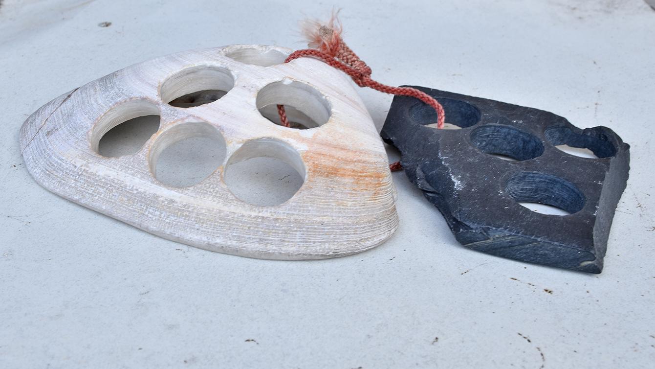 碁石の原料である那智黒石とはまぐり