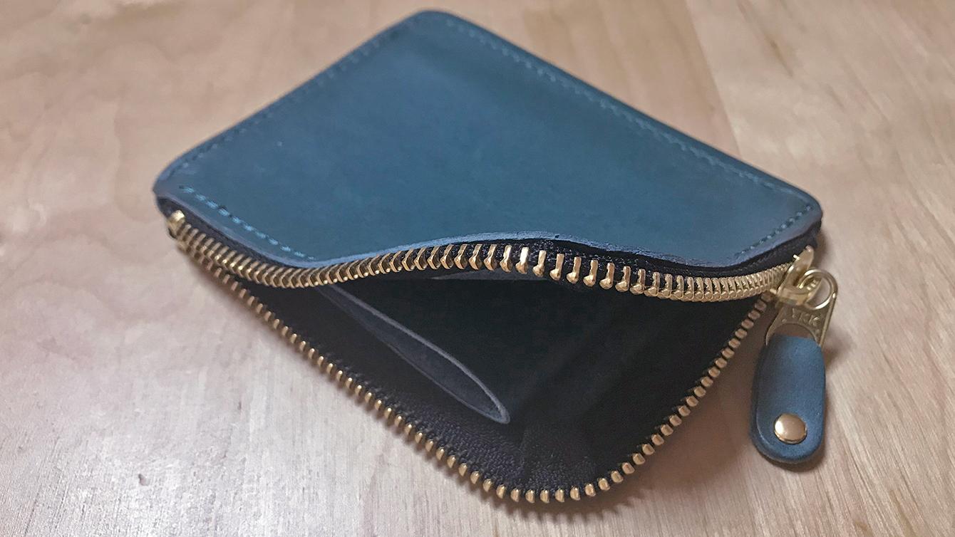 財布を開いたところ